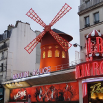 Walking tour Moulin Rouge Paris